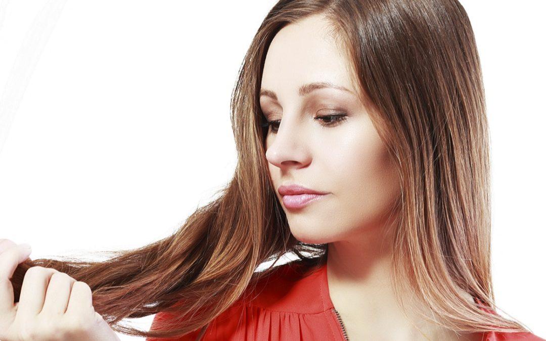 Come rinforzare i capelli: consigli efficaci