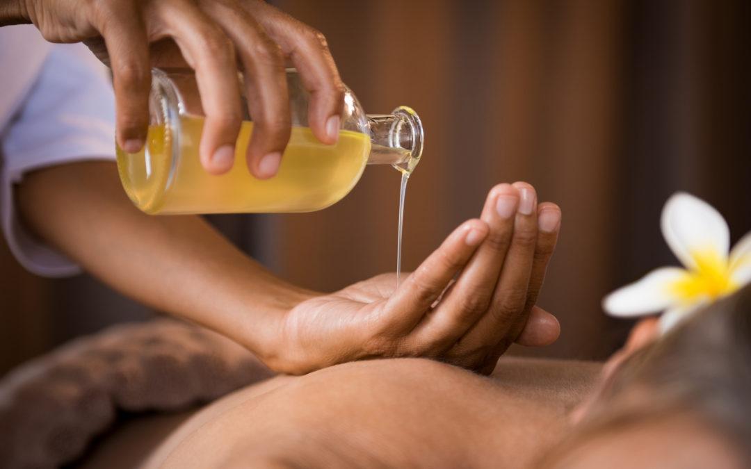 Olio per massaggio in aromaterapia