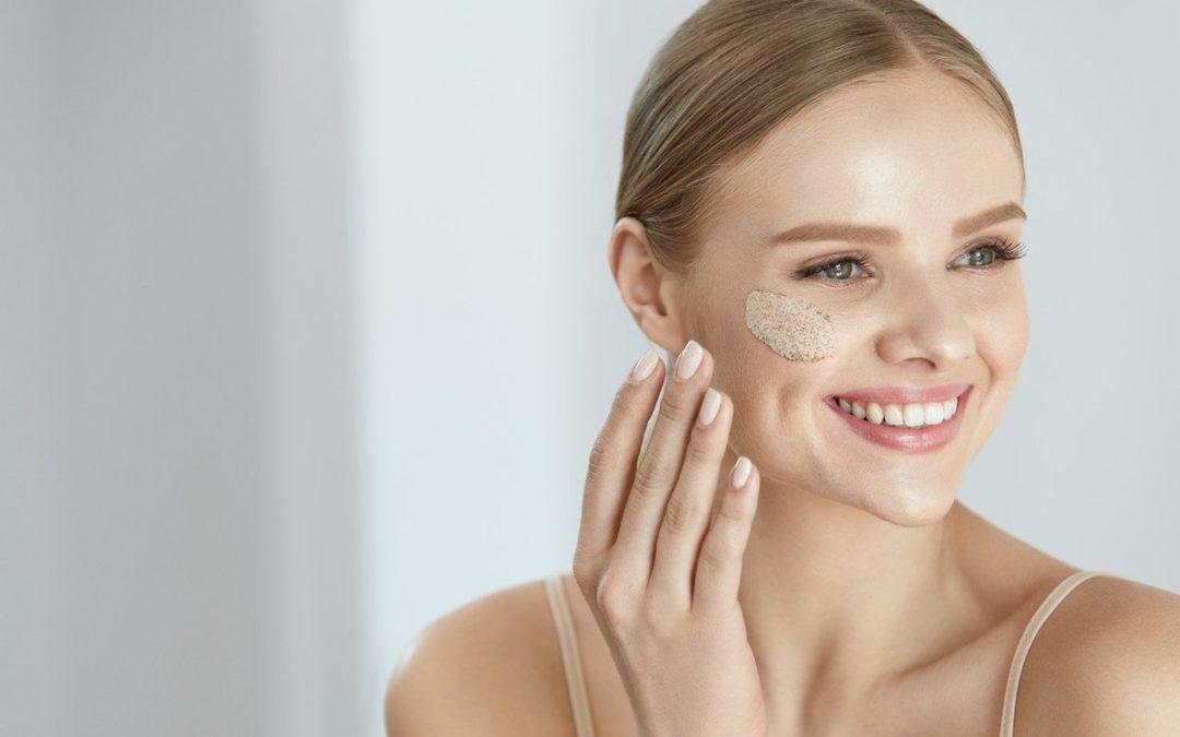 Esfoliare la pelle: peeling e scrubs